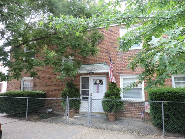 4 BR,  2.00 BTH Townhouse style home in Middle Village