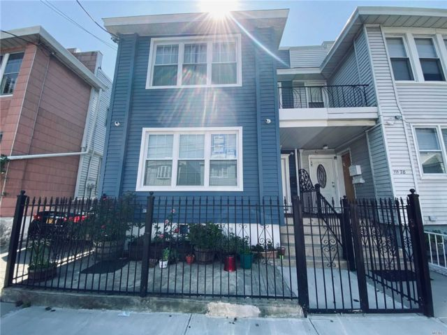 7 BR,  3.00 BTH Duplex style home in South Ozone Park