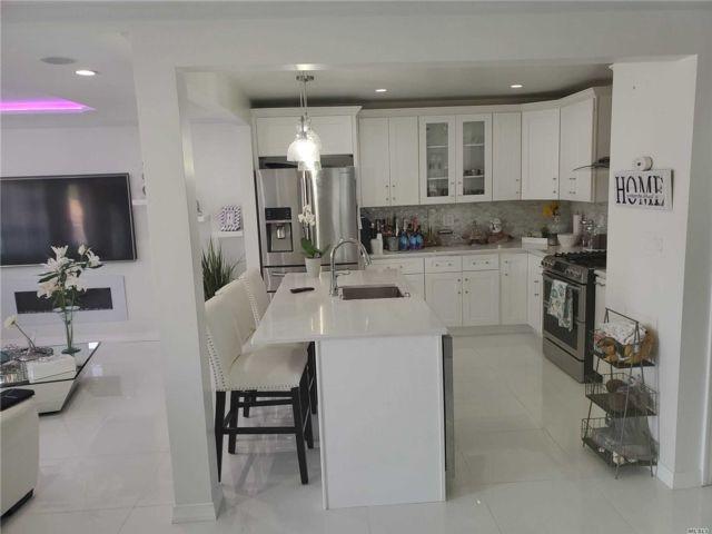 [Rosedale Real Estate, listing number 3159338]