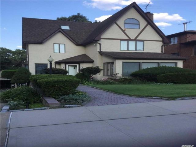 4 BR,  3.00 BTH Tudor style home in Bayside