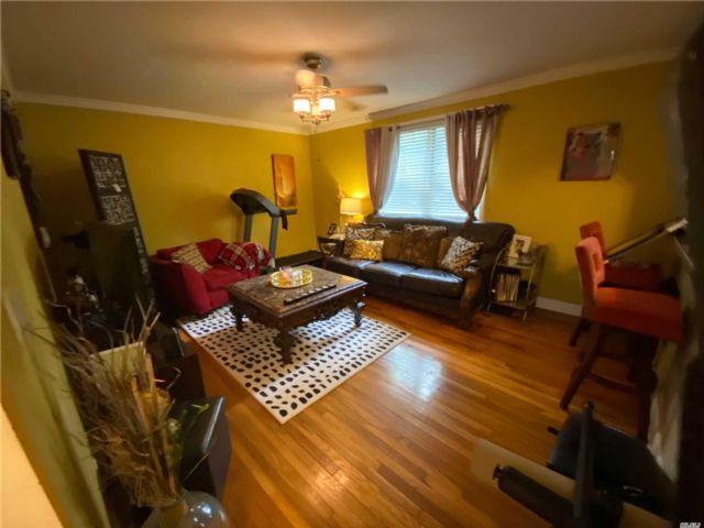 1 BR,  1.00 BTH Garden apartmen style home in Kew Garden Hills