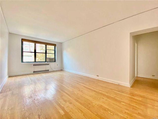 [Jackson Heights Real Estate, listing number 3159554]