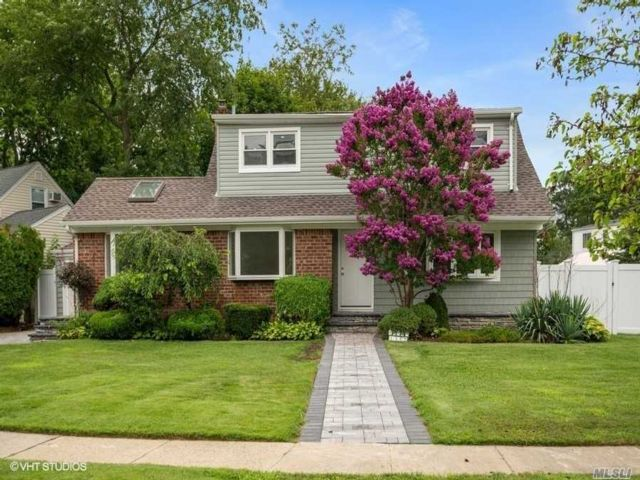 [Wantagh Real Estate, listing number 3159576]