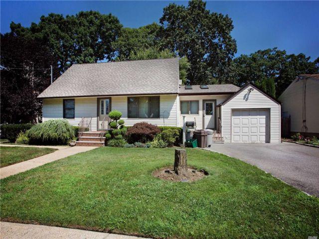 [Merrick Real Estate, listing number 3159642]