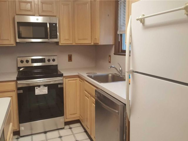 1 BR,  1.00 BTH Apt in house style home in Huntington