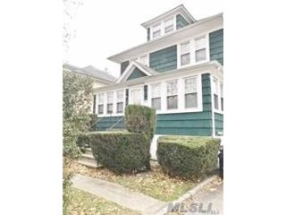 2 BR,  1.00 BTH Apt in house style home in Babylon