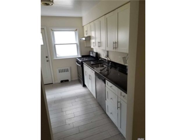 4 BR,  1.00 BTH Colonial style home in Lynbrook