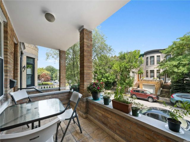 4 BR,  3.00 BTH Colonial style home in Bay Ridge