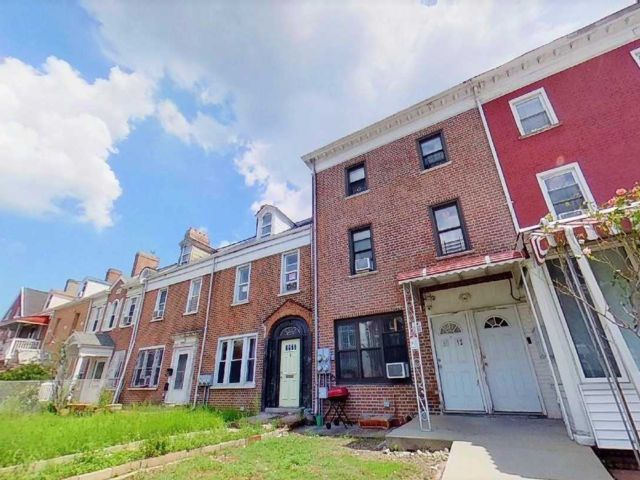 6 BR,  3.00 BTH Townhouse style home in Briarwood
