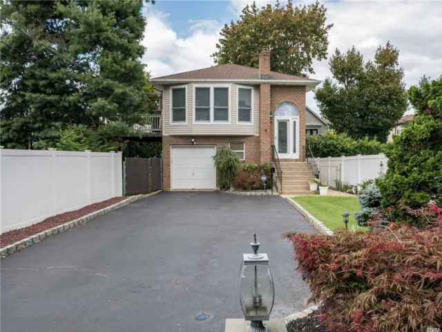 [East Meadow Real Estate, listing number 3159875]