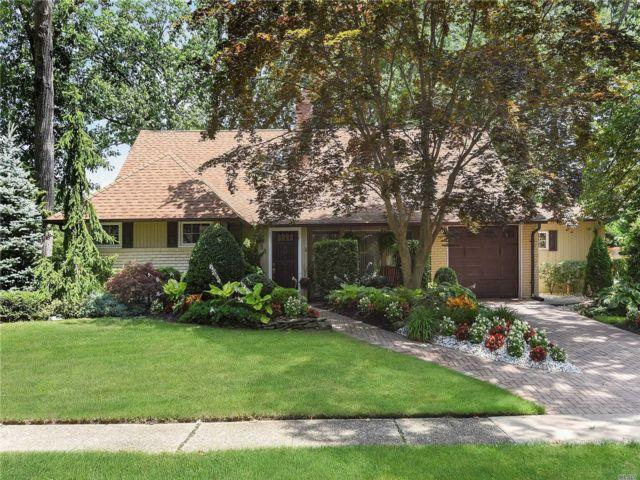 [Merrick Real Estate, listing number 3159896]
