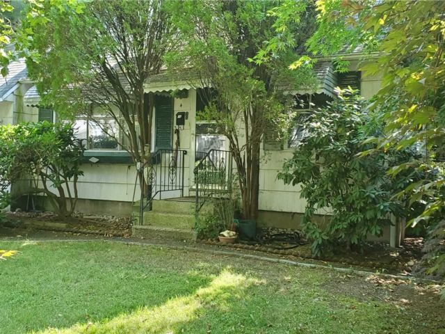 [Commack Real Estate, listing number 3159902]