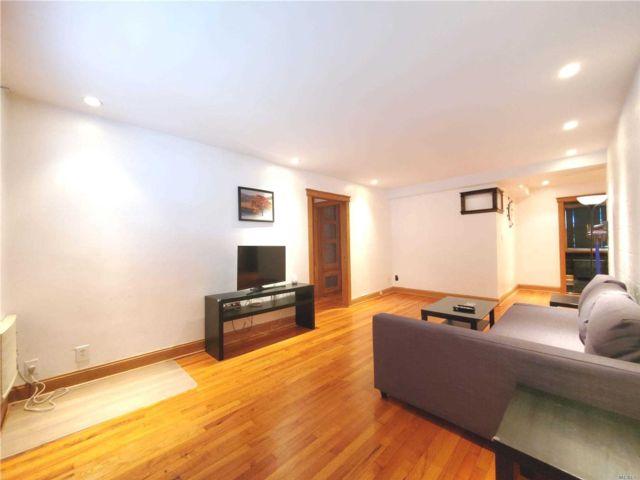 [Bayside Real Estate, listing number 3159904]