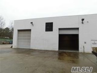 Studio,  0.00 BTH Commercial style home in Centereach