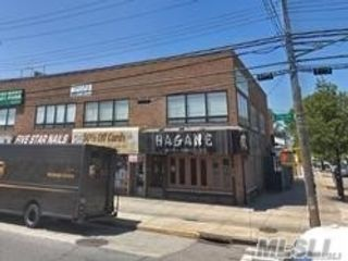 Studio,  0.00 BTH Commercial style home in Howard Beach