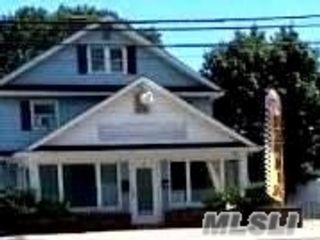 Studio,  0.00 BTH  Commercial style home in Hampton Bays