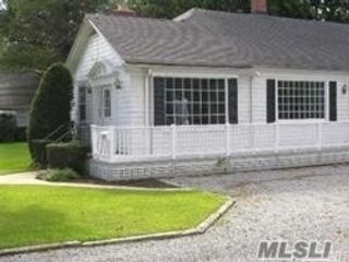 Studio,  0.00 BTH Commercial style home in St. James