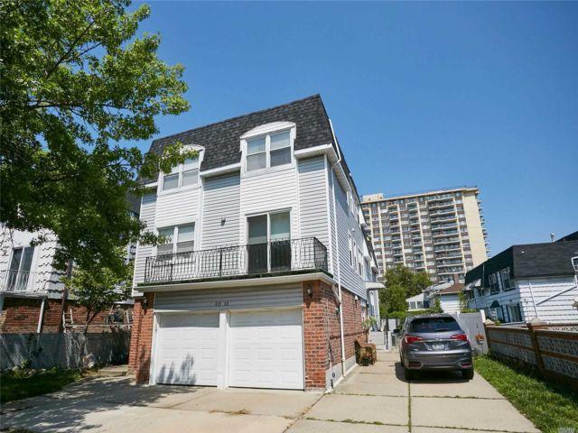 7 BR,  5.00 BTH Duplex style home in Bayside