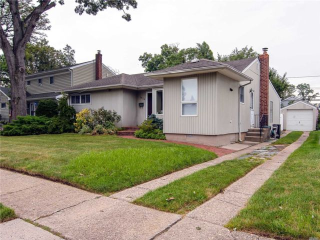 [East Meadow Real Estate, listing number 3160240]