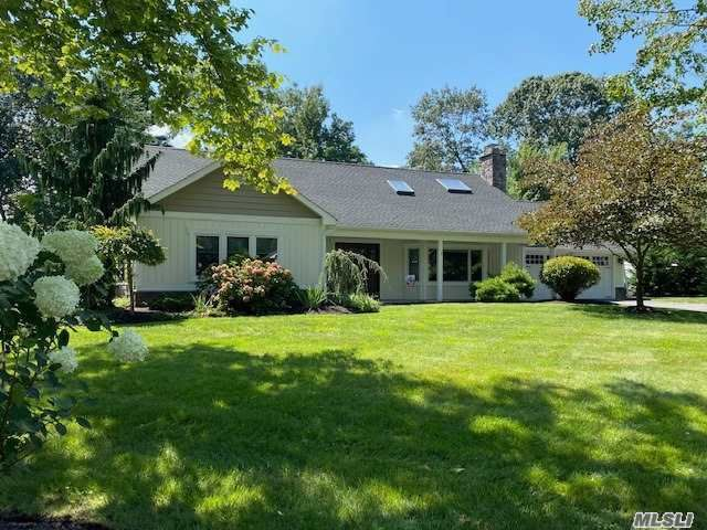 5 BR,  4.00 BTH  Farm ranch style home in Stony Brook