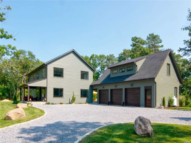 3 BR,  4.00 BTH Post modern style home in Miller Place