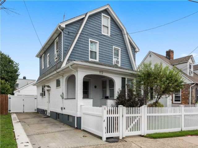[Franklin Square Real Estate, listing number 3160247]