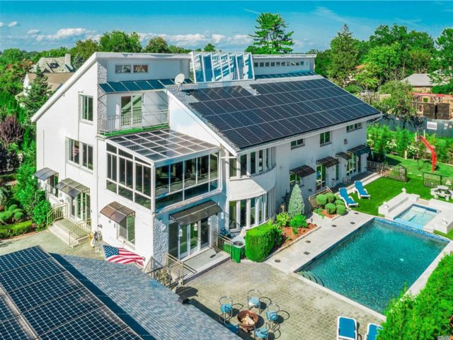 6 BR,  9.00 BTH Contemporary style home in Bayside