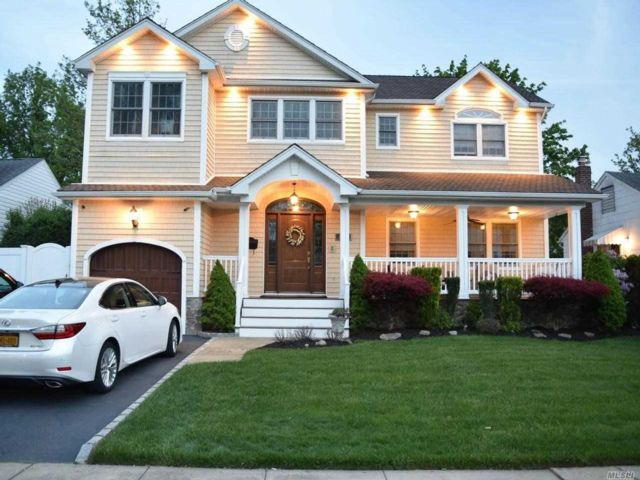[East Meadow Real Estate, listing number 3160345]