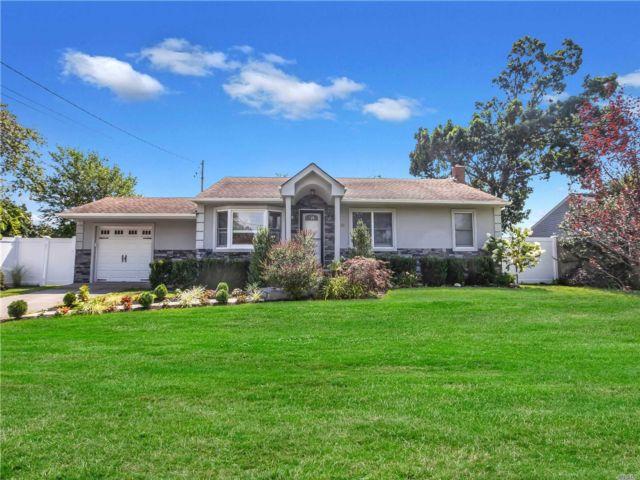[Farmingdale Real Estate, listing number 3160350]