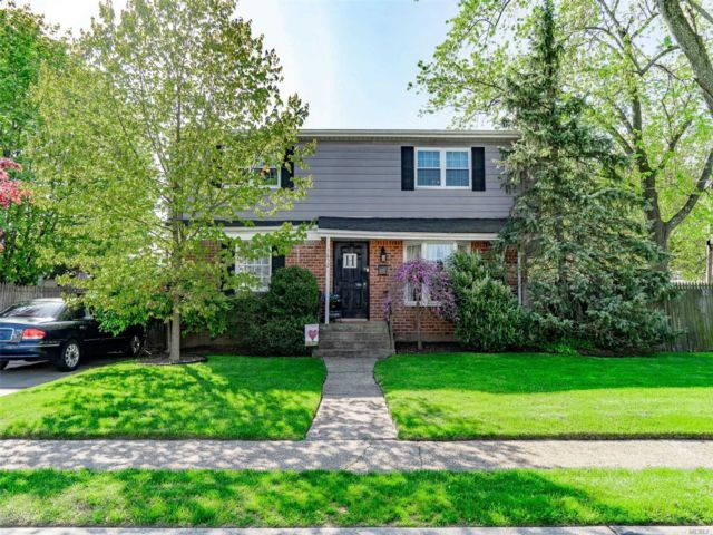 [East Meadow Real Estate, listing number 3160363]