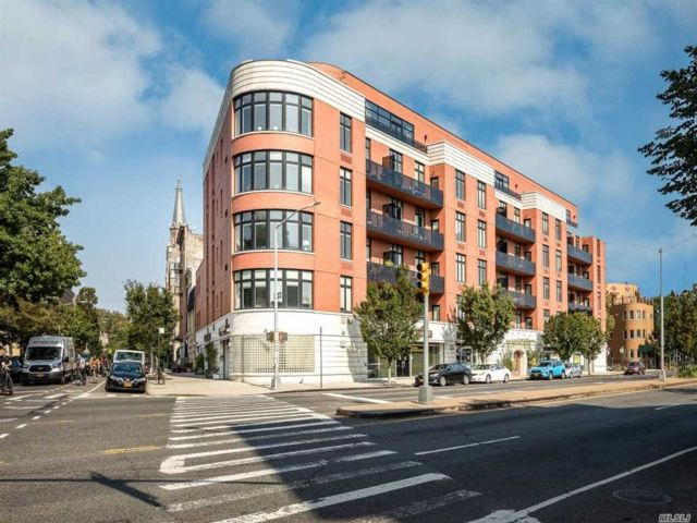 1 BR,  1.00 BTH Mid rise style home in Greenpoint
