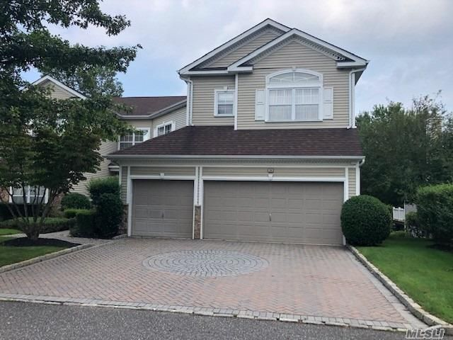 5 BR,  6.00 BTH Other style home in Mt. Sinai