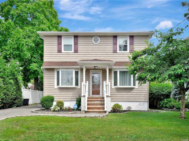 [Merrick Real Estate, listing number 3161730]