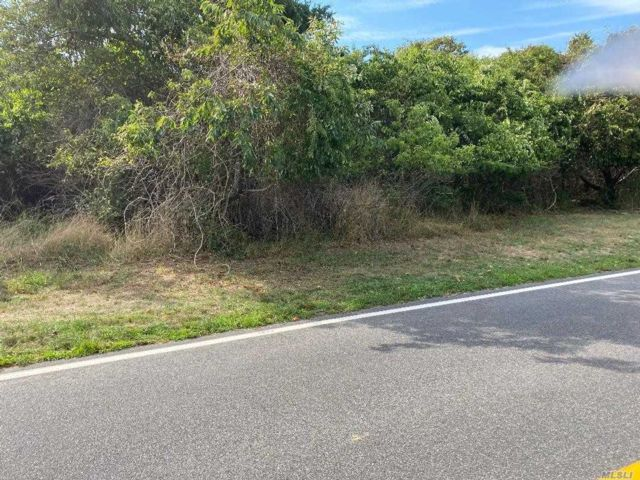 Lot <b>Size:</b> 4.04 Land style home in Westhampton