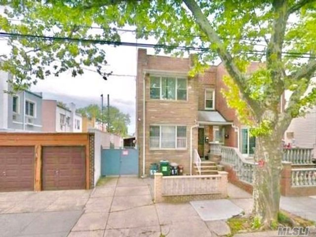 7 BR,  2.00 BTH Colonial style home in Dyker Heights