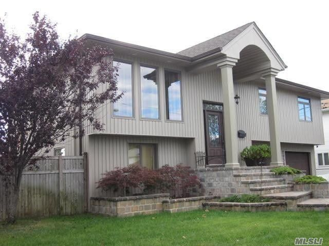 [Merrick Real Estate, listing number 3161807]