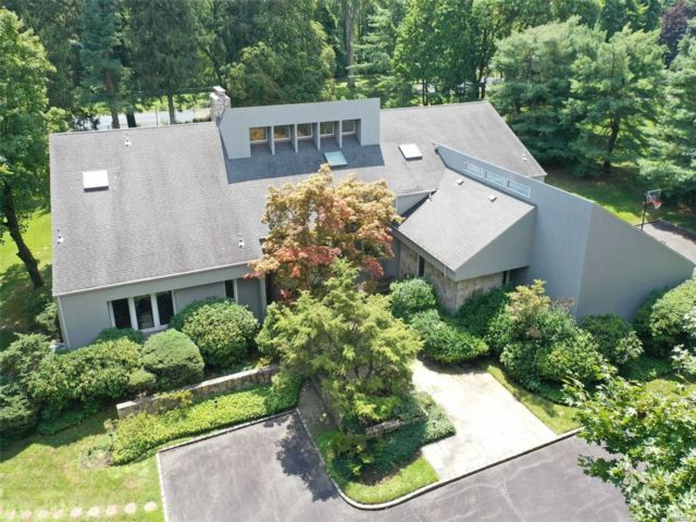 7 BR,  6.00 BTH Contemporary style home in Upper Brookville