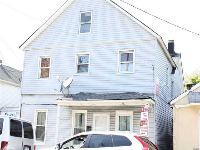 8 BR,  4.00 BTH Other style home in Hempstead