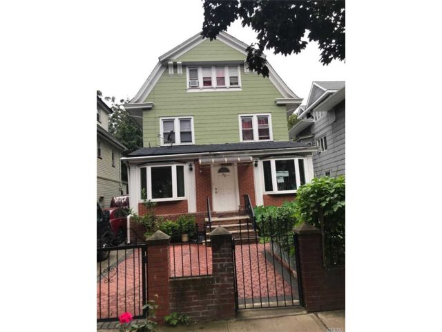 9 BR,  5.00 BTH Colonial style home in Flatbush