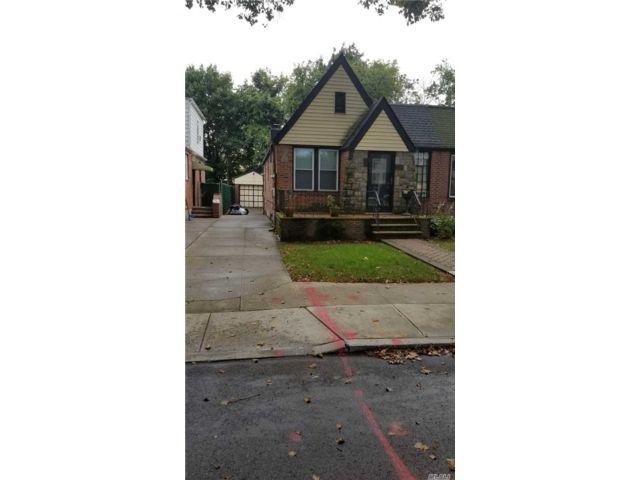 2 BR,  1.00 BTH Cape style home in Cambria Heights