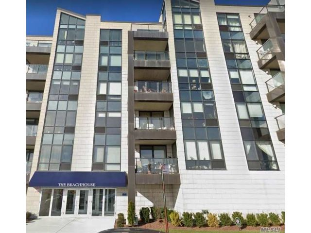 3 BR,  2.00 BTH Mid rise style home in Rockaway Beach