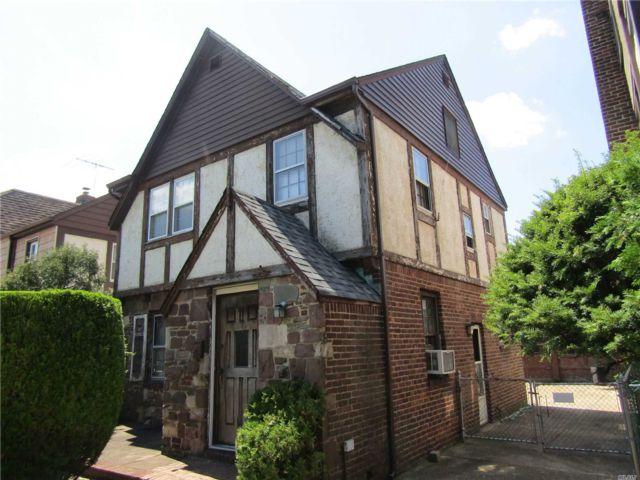 3 BR,  1.00 BTH Tudor style home in Bellerose