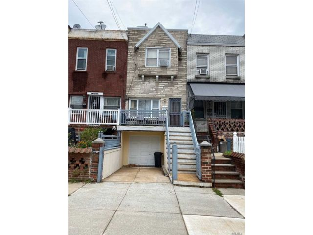 3 BR,  3.00 BTH  Colonial style home in Dyker Heights