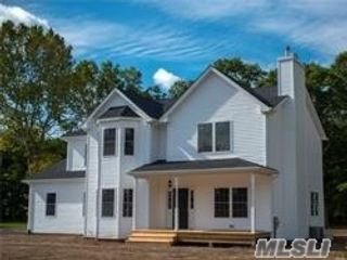 4 BR,  3.00 BTH Victorian style home in Baiting Hollow