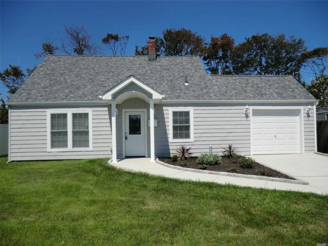 3 BR,  2.00 BTH  Exp cape style home in Levittown