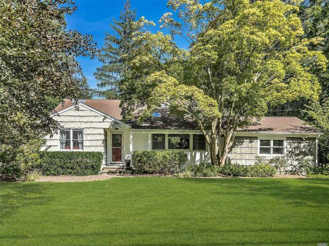 3 BR,  3.00 BTH Split level style home in Huntington