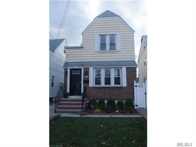 4 BR,  3.00 BTH  2 story style home in Queens Village