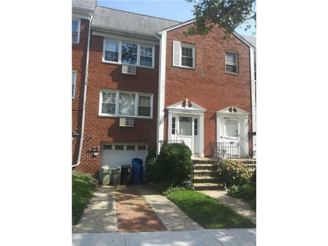 5 BR,  4.00 BTH Other style home in Bayside