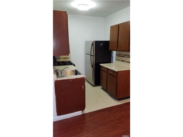 2 BR,  1.00 BTH Mid rise style home in Bushwick