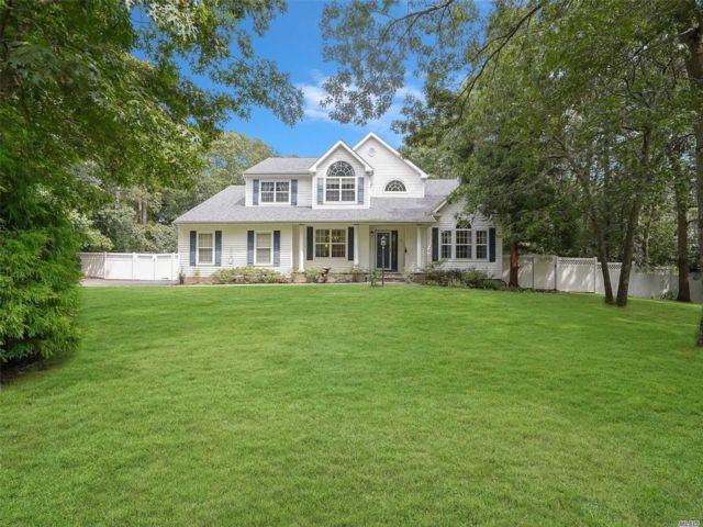 [Manorville Real Estate, listing number 3163020]